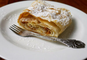jabolcni-zavitek-recept