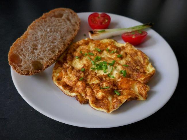 Jajčna omleta z 1 jajcem