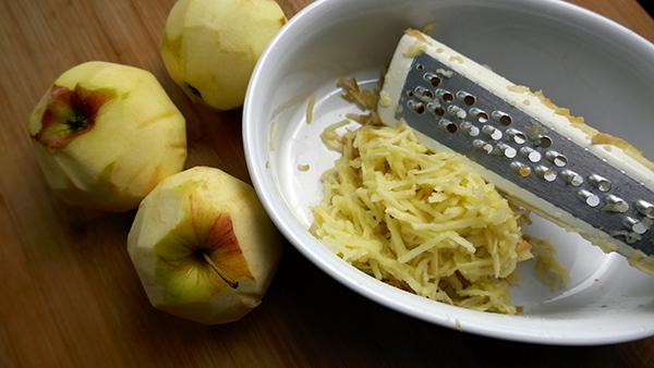 rožičevo pecivo jabolka